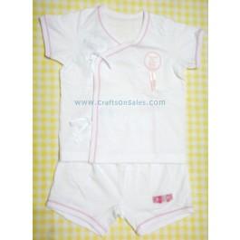 ชุดเสื้อเด็กพร้อมกางเกงสีขาว สำหรับเด็ก 6 เดือน ยี่ห้อ Absorba