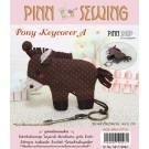 สินค้างานฝีมือ-ชุดคิทควิลท์ งานเย็บที่เก็บกุญแจ Pony Keycover (brown) Quilt