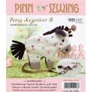 สินค้างานฝีมือ-ชุดคิทควิลท์ งานเย็บที่เก็บกุญแจ Pony Keycover (white) Quilt